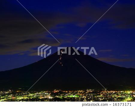富士吉田市 富士山 登山者-图库照片 [16373171] - PIXTA