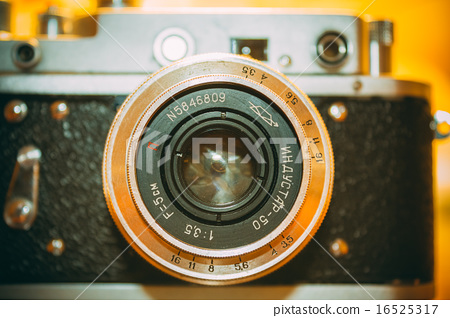 Zorki 2-S is small-format rangefinder camera introduced in 1956 by KMZ factory in Russia. 16525317