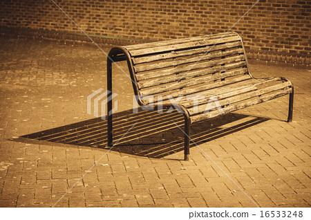 Bench under night lights 16533248