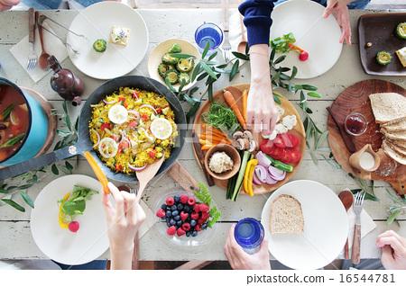 有機食品午餐家庭聚會 16544781