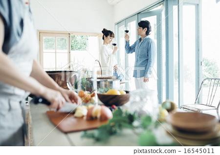 家庭聚會,葡萄酒 16545011