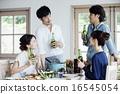 家庭聚会,4人,啤酒 16545054