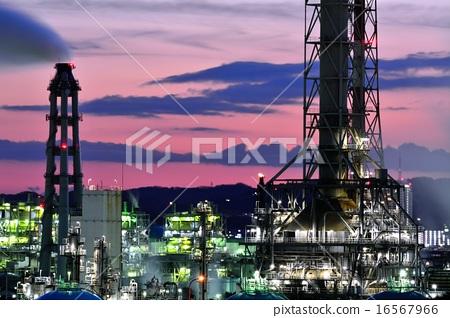 Night view of factory of Kawasaki 16567966