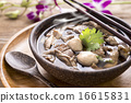 Beef Noodle Soup,Close up of a wooden bowl 16615831