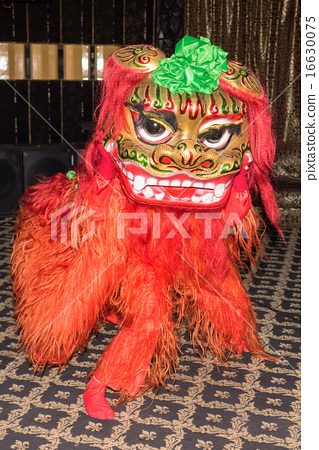chinese red lion dance at new year day 16630075