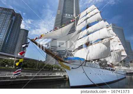 Sailing ship Nihon Maru's total sail exhibition sail · full bow decoration 16741373