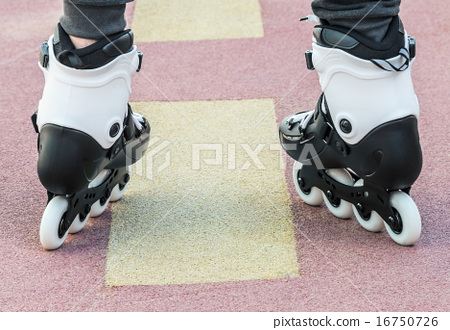 walk on roller skates for skating 16750726