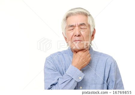老人喉嚨痛 16769855