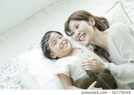 Parent and child to sleep well 16770048