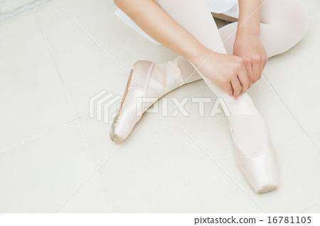 芭蕾舞的十幾歲的女孩 16781105