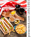 Hot dogs 16915903