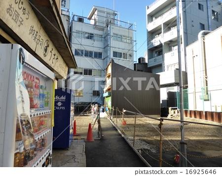 사라져가는 광경 전후의 암시장 흔적 시모키타자와 북쪽 출구 역전 식품 시장 16925646