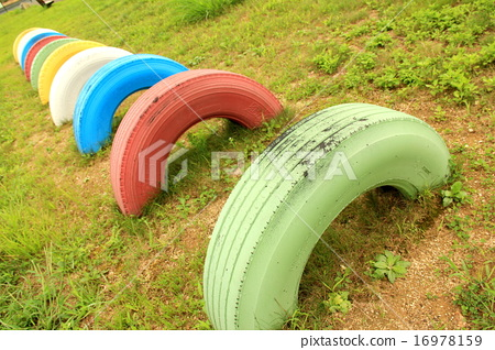 Park tire 16978159