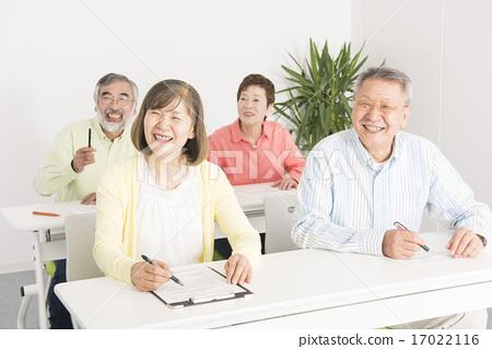 老年人接受研讨会 17022116