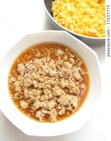 이색 덮밥 용의 닭 소보로 17037775