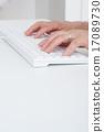 手 鍵盤 個人電腦 17089730