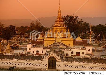 ASIA MYANMAR INLE LAKE NYAUNGSHWN PAGODA 17092275