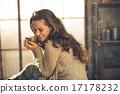 relaxed, enjoying, woman 17178232
