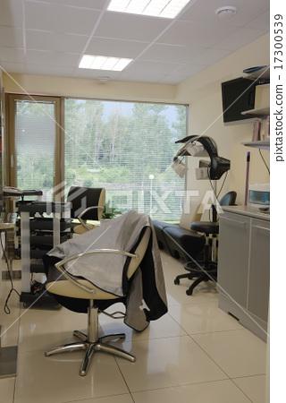 interior of contemporary hairdressing salon 17300539