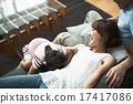 躺下 沙发 放松 17417086