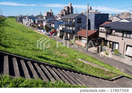 Shonai River embankment and townscape Oonogi 17807569