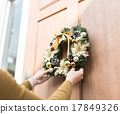 聖誕花環 一人 走廊 17849326