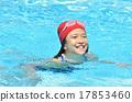수영장에서 웃는 여자 17853460