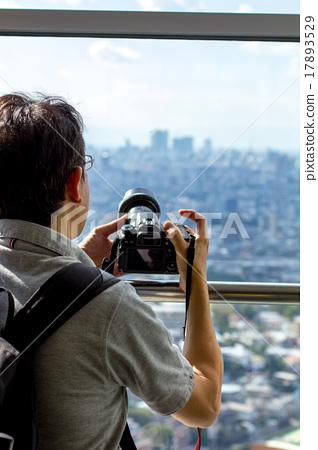 Men taking pictures 17893529