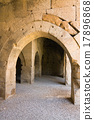 multiple arches and columns in the caravansary 17896868