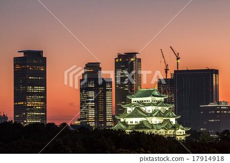 노을 나고야 성 및 고층 빌딩 17914918