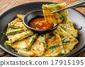 韩国海鲜泡菜饼 韩式煎饼 韩国菜 17915195