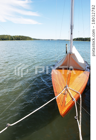 yacht 18012782