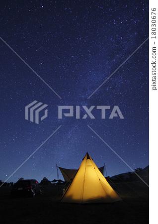 캠프의 밤하늘 18030676