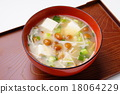 豆腐 滑菇 汤盘 18064229