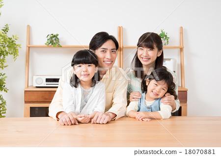 家庭 家族 家人 18070881