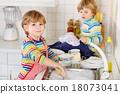 boy, kid, kitchen 18073041