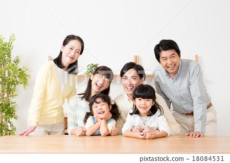 一個家庭 18084531