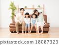 年輕的家庭 18087323