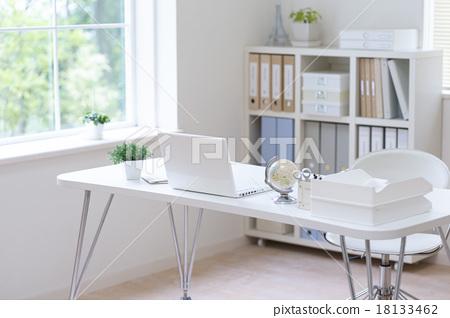 Laptop on desk 18133462