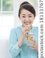 女性 稻草 酒水飲料 18133767
