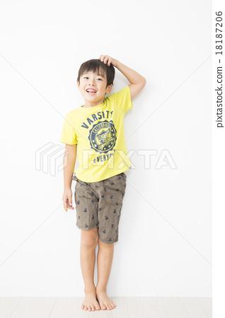 Portrait Elementary school boy 7 years old 18187206