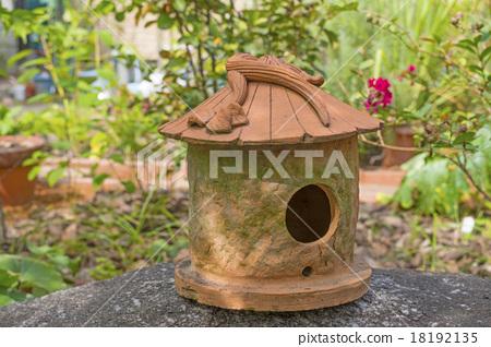 A bird's nest box placed in the garden 18192135