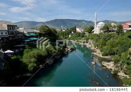 neretva, neretva river, bosnia and herzegovina 18196445