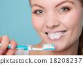woman, toothbrush, brushing 18208237