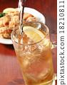 高球 威士忌 傾倒的 18210811