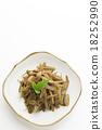 金平牛篣 炒牛蒡絲 牛蒡根切碎煮熟加糖和醬油 18252990