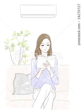 一个女人在空调房间里读书 18270727