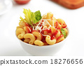 Macaroni with tomato sauce and cheese 18276656