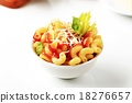 Macaroni with tomato sauce and cheese 18276657