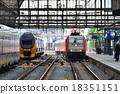 火車 阿姆斯特丹 電氣列車 18351151